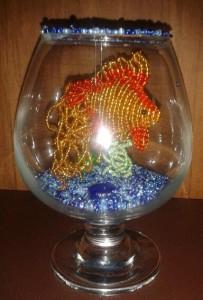 Золотая рыбка в бокале